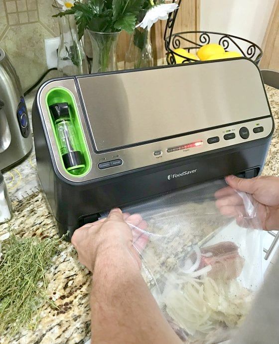 FoodSaver® V4440 2-in-1 Automatic Vacuum Sealing System